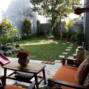 Pagi-pagi sambil nyantai di belakang rumah @rumahbundas ?????? Tinggal tambah kopi nih, udah pas banget mengiringi kicauan burung yg cantik ini . #tamandiaries #tamanminimalis #tamanminimalismodern #tamanrumah #tamanku #taman #dekorasitaman #inspirasitaman #inspirasikebun #kebunku #kebun #kebunrumah #mariberkebun #gardeninspiration #homegarden #gardendecor #garden #instahome #instagarden #teras #terasrumah #kolam #kolamikan #backyard #halamanrumah #halamanbelakang #tukangtaman #berkebundirumah #tamancantik #berkebun